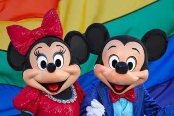Disney sorprende con canción de amor LGBT ¡la primera en su...