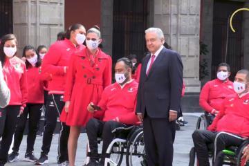 Abanderamiento de atletas paralímpicos mexicanos