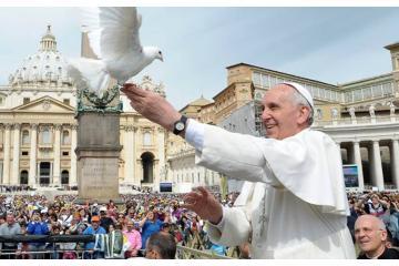 """Papa Francisco dice que """"vacunarse es un acto de amor"""""""