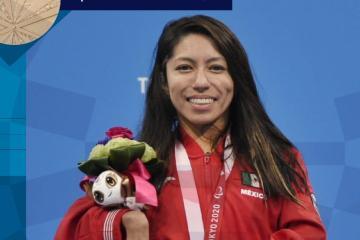 Fabiola Ramírez gana medalla de bronce en natación en Juegos...