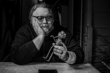 Respetado autor publicará libro sobre el mexicano Guillermo del Toro