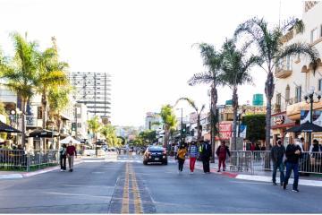 Cruce de estadounidenses a Tijuana permite reactivación económica...