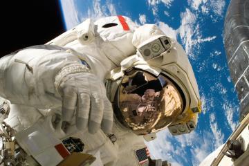 Nasa reprograma caminata espacial en la EEI para el 12 de septiembre