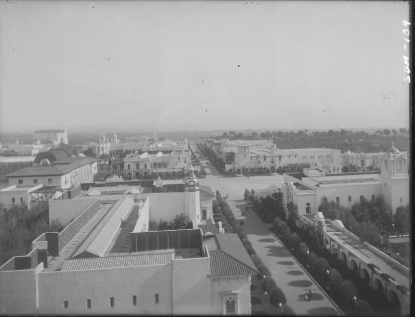 Plaza, Balboa Park, 1915 (Museum of Us)