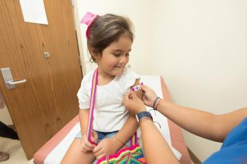 Vacunas para niños entre 5 y 11 años podrían estar listas para...