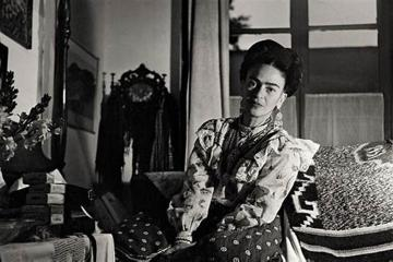 Lanzan libro con las 152 pinturas de Frida Khalo