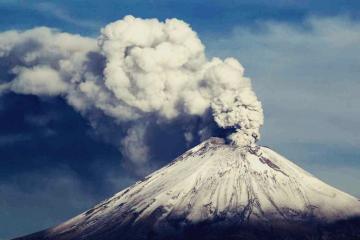 Popocatépetl registra impactante explosión