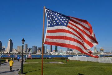 Estados Unidos relajará restricciones de viaje a visitantes...