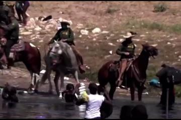 Patrulla Fronteriza maltrata a migrantes con caballos