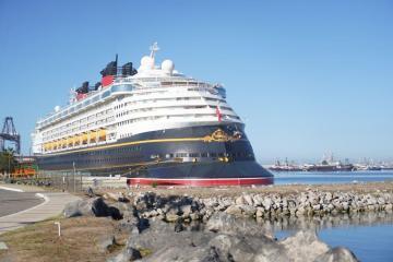 Primer crucero Disney arriba a Ensenada
