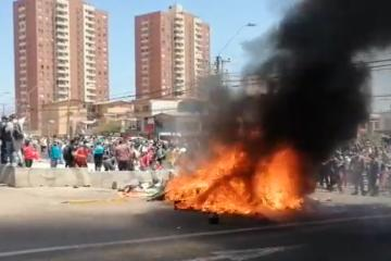 Atacan campamento de desplazados en Chile durante marcha contra la...