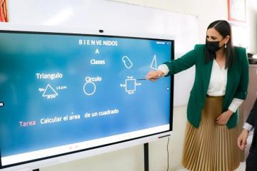 Tijuana schools receive smart boards from Mayor Karla Ruiz Macfarland
