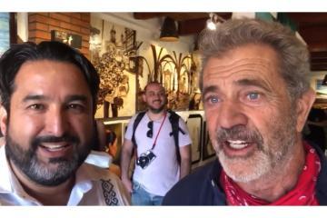 Mel Gibson visita La Casa de la Langosta