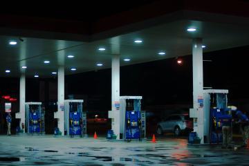 Precio de gasolina en EEUU se dispara: el más alto desde 2014