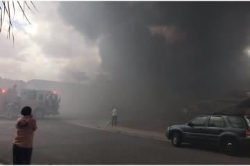 Avioneta se desploma sobre vecindario de San Diego: reportan...