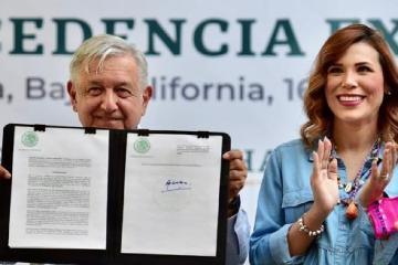 AMLO garantiza su apoyo a la gobernadora electa de Baja California,...