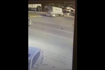 Colisión en bulevar Insurgentes de Tijuana deja a una joven en...