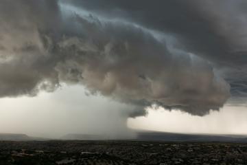 Alertan por la llegada de vientos fuertes con lluvias en Baja...