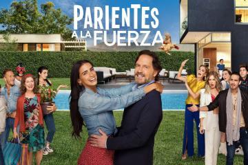 "Telemundo estrena serie de comedia familiar ""Parientes a la..."