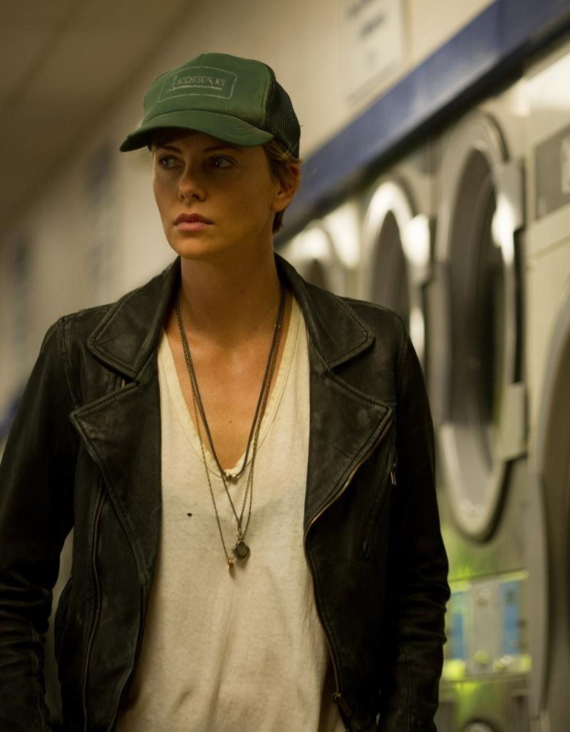 Charlize Theron - Dark Places 1