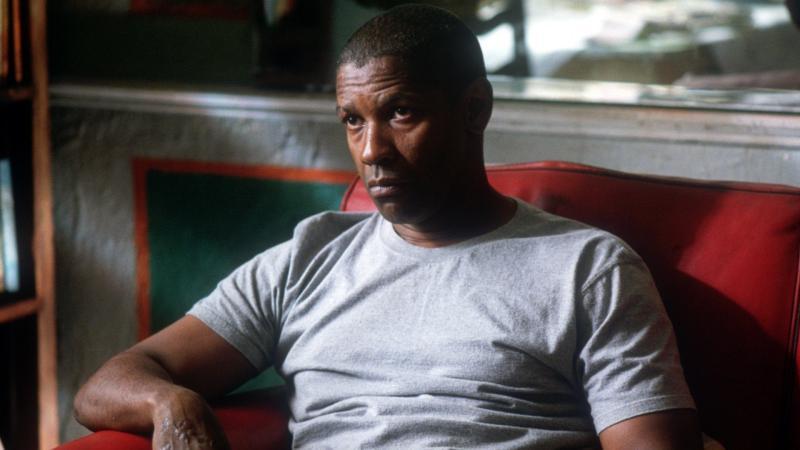 Denzel Washington en Hombre en llamas. Washington interpreta a otro agente que vuelve la Ciudad de México en un desastre en el thriller estilizado de Tony Scott.