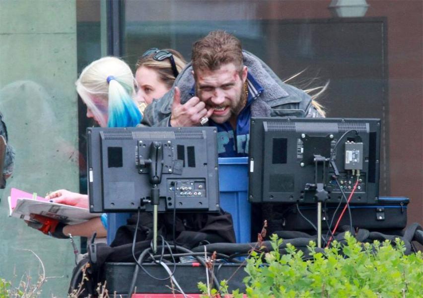 Jai Courtney (Capitán Boomerang) en el set de filmación de Escuadrón Suicida