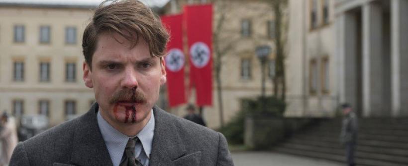 Alone in Berlin - Trailer Oficial