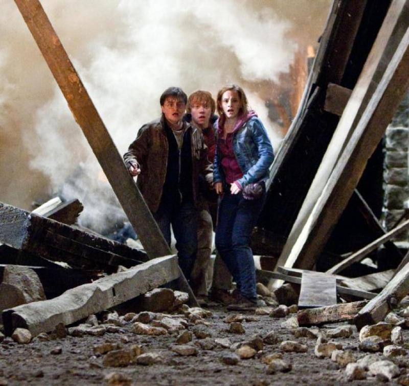 Photo by Jaap Buitendijk - © 2011 WARNER BROS. ENTERTAINMENT INC. HARRY POTTER PUBLISHING RIGHTS (C) J.K.R. HARRY POTTER CHARACTERS, NAMES AND RELATED IN