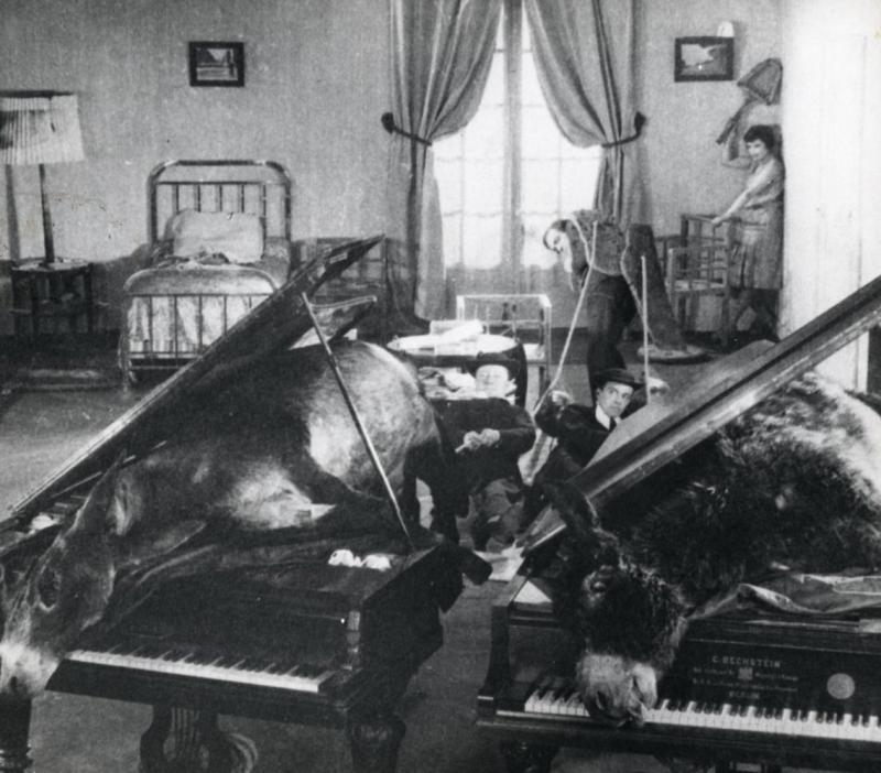 Un Perro Andaluz (1929)