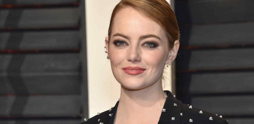 Emma Stone reveló que sus co-protagonistas masculinos han tenido que recortar su sueldo para lograr equidad salarial
