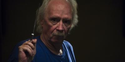John Carpenter dirigirá episodio piloto escrito por David Hayter, escritor de X-Men 2