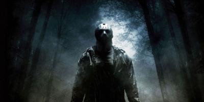 Hombre disfrazado de Jason de Viernes 13 asesina a un joven