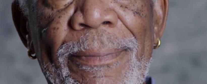 Morgan Freeman exhorta a una guerra civil