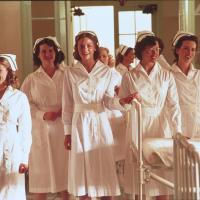Kate Beckinsale, Jennifer Garner, Catherine Kellner, Jaime King, and Sara Rue in Pearl Harbor (2001)