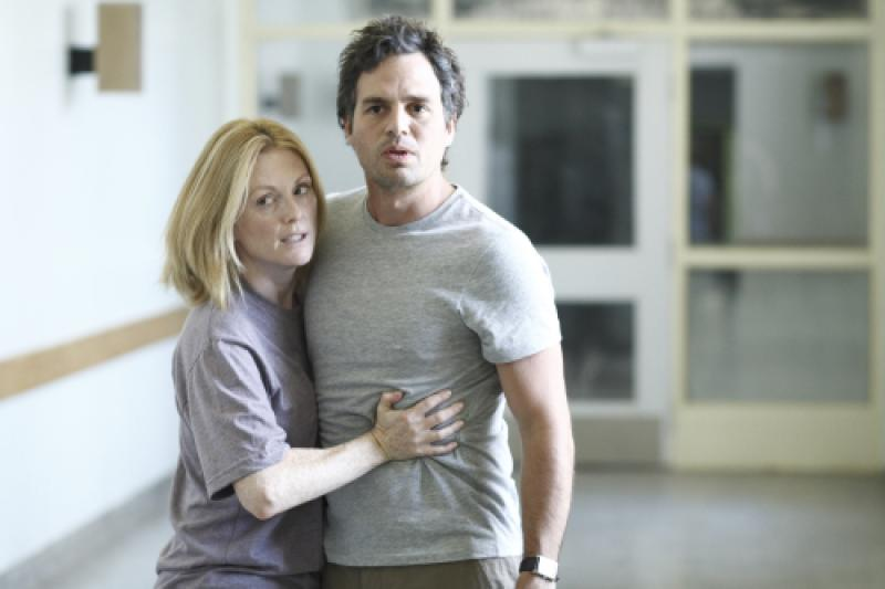 Julianne Moore and Mark Ruffalo in Blindness (2008)