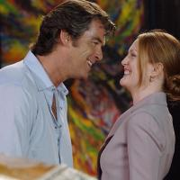 Pierce Brosnan and Julianne Moore in Laws of Attraction (2004)