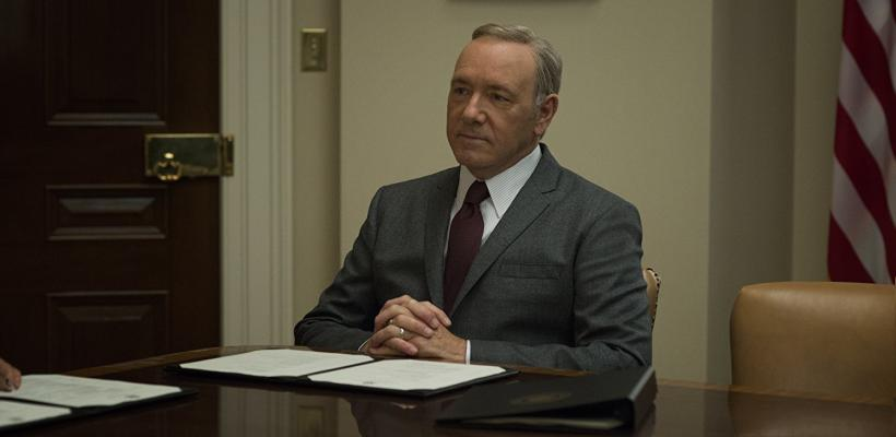 Showrunner de House of Cards dice que las revelaciones sobre Kevin Spacey son perturbadoras