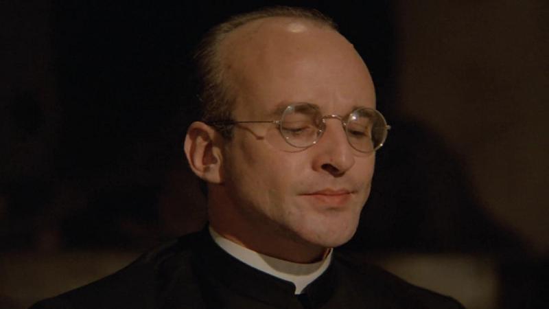 Giovanni Lombardo Radice in La chiesa (1989)