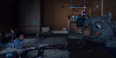Michel Gondry se inspira en Donde Viven los Monstruos para este comercial navideño