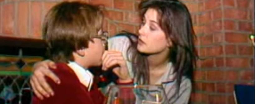 Demi Moore besa a un chico de 15 años