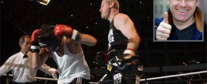 Cuando Uwe Ball boxeó críticos de cine en un ring
