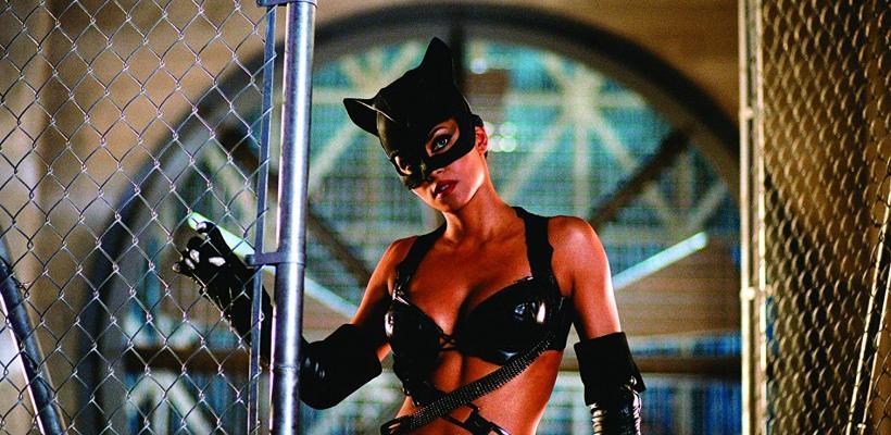 Escritor de Gatúbela acepta que ésta fue una mala película y no puede compararse con Pantera Negra