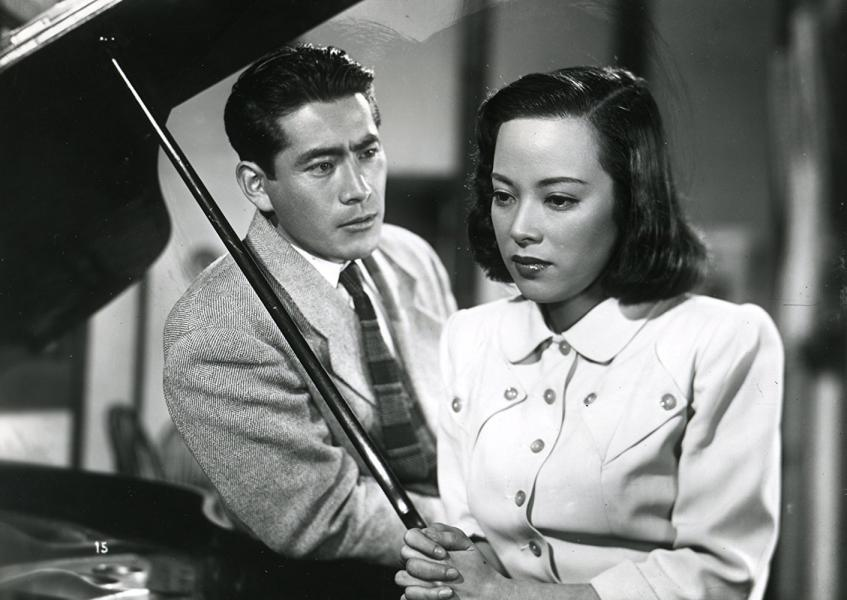Toshirô Mifune y Shirley Yamaguchi en Escándalo (1950)