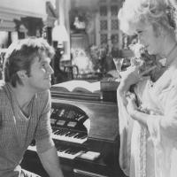 Jeff Bridges y Dorothy Malone en Trafico de Poder(1979)
