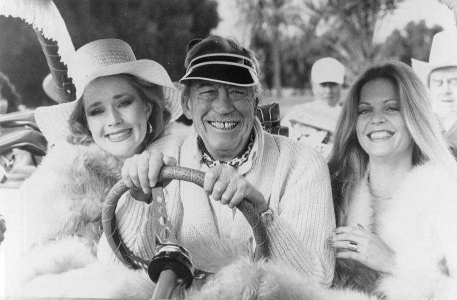 John Huston, Kim O'Brien y Candice Rialson en Trafico de Poder (1979)