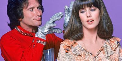 Pam Dawber reveló que Robin Williams la toqueteó durante las grabaciones de Mork & Mindy, pero defiende dicho comportamiento