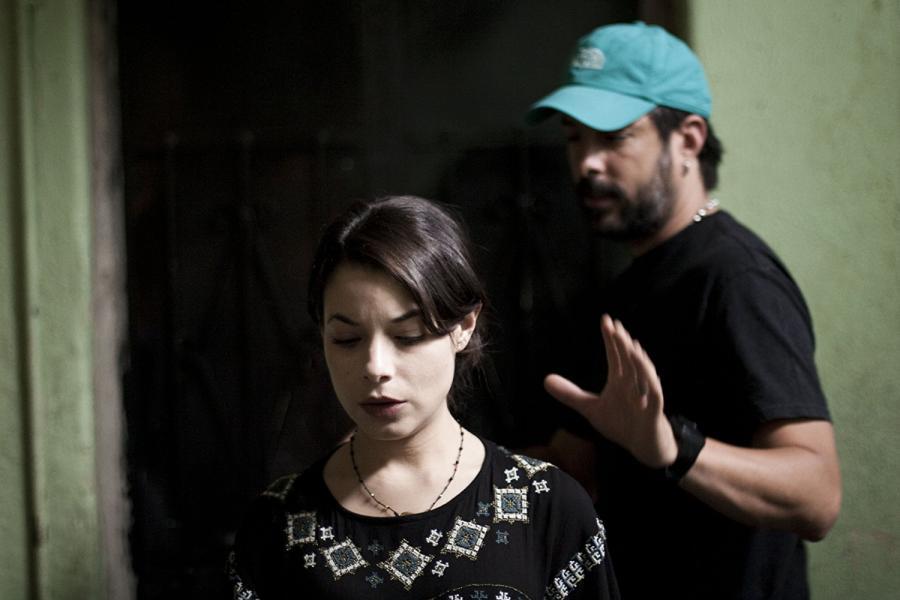 Chava Cartas y Danny Perea En Los Inquilinos (2018)
