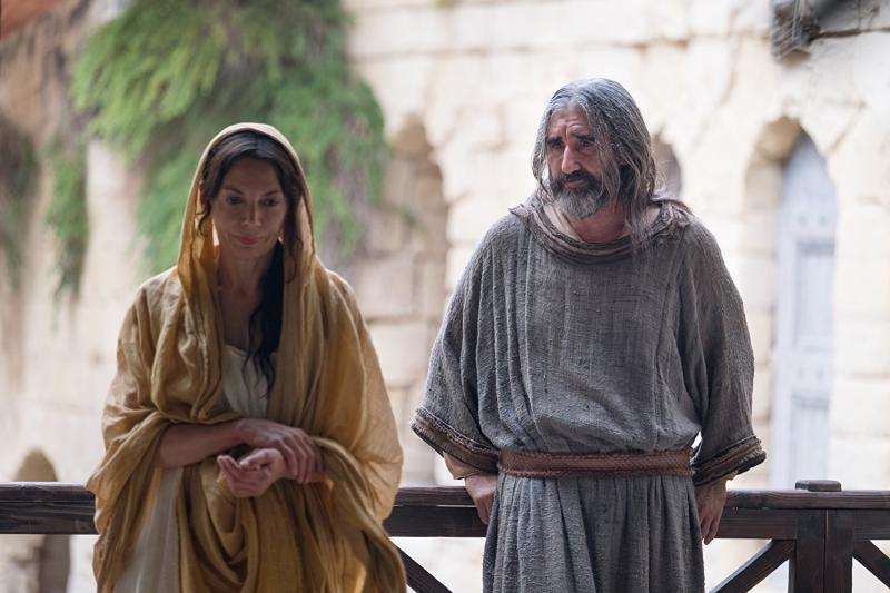 Joanne Whalley y John Lynch en Pablo: Apóstol de Cristo (2018)