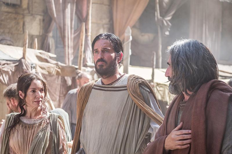 Jim Caviezel y James Faulkner en Pablo: Apóstol de Cristo (2018)