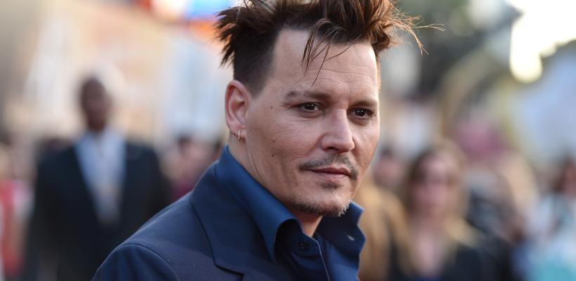 Johnny Depp golpeó ebrio a parte del set de su próxima película
